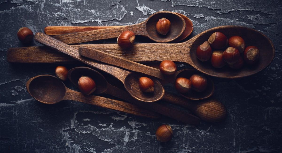 Rompecabezas Recoger rompecabezas en línea - Hazelnuts and spoon