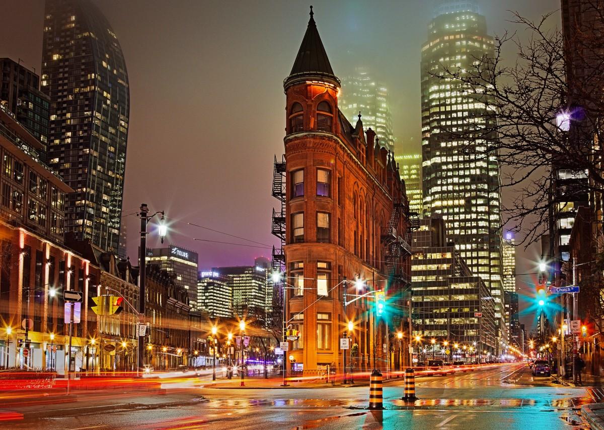 Rompecabezas Recoger rompecabezas en línea - Night in Toronto