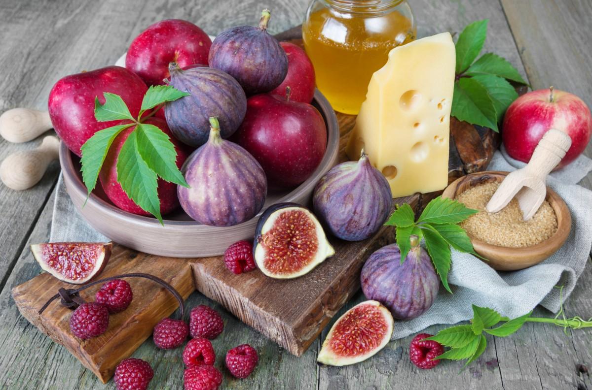 Rompecabezas Recoger rompecabezas en línea - Figs and apples