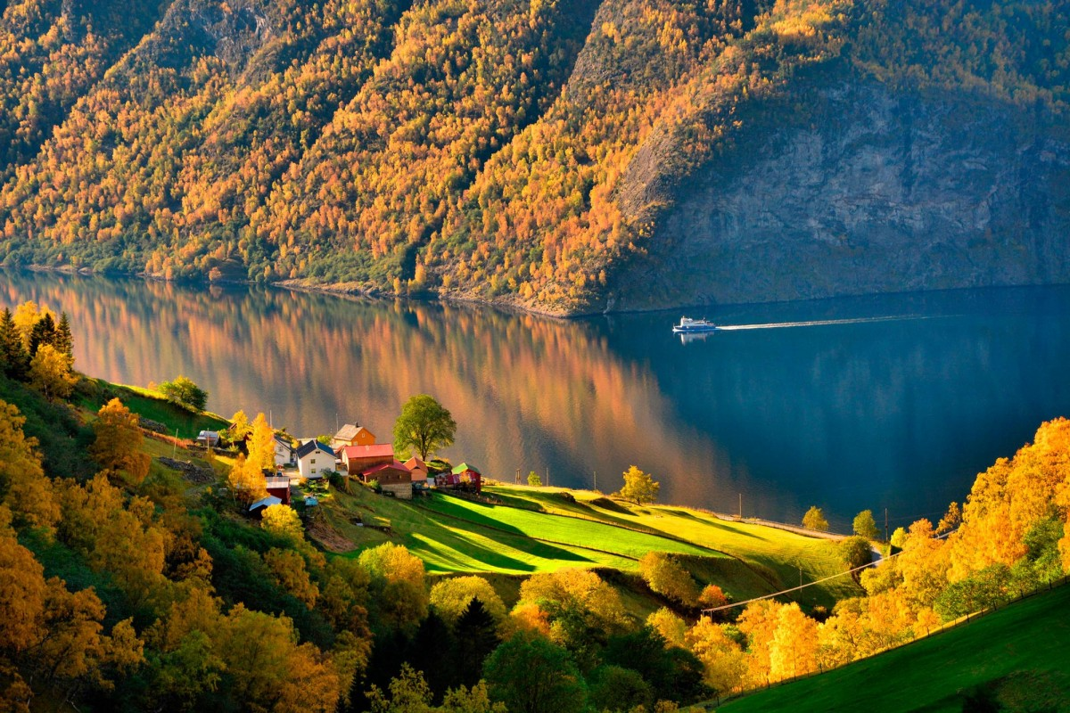 Rompecabezas Recoger rompecabezas en línea - By boat on the lake