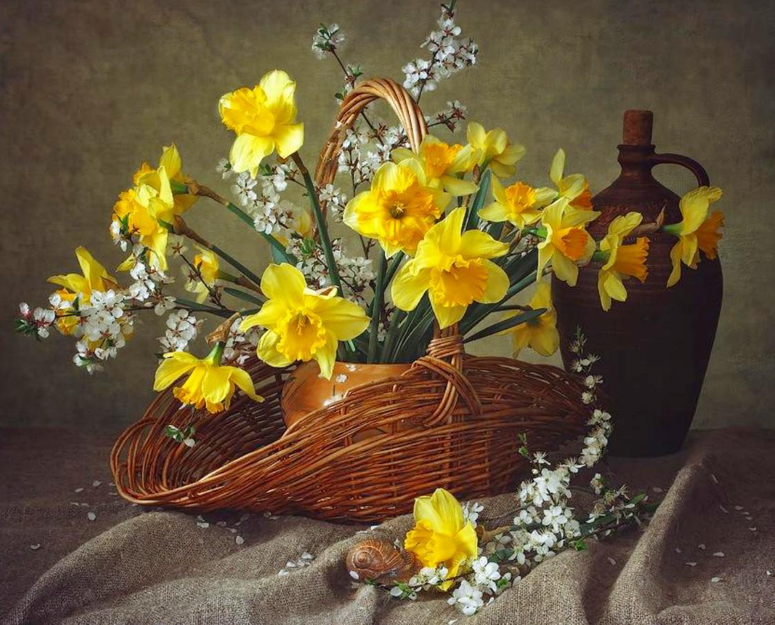Rompecabezas Recoger rompecabezas en línea - Daffodils and plum