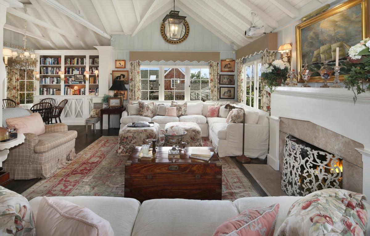 Rompecabezas Recoger rompecabezas en línea - The chest in the living room