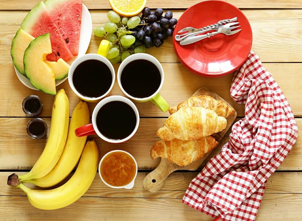 Rompecabezas Recoger rompecabezas en línea - Breakfast for three
