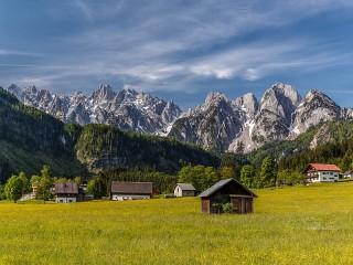Собирать пазл Austrian village онлайн