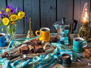 Собирать пазл Brownie and coffee онлайн