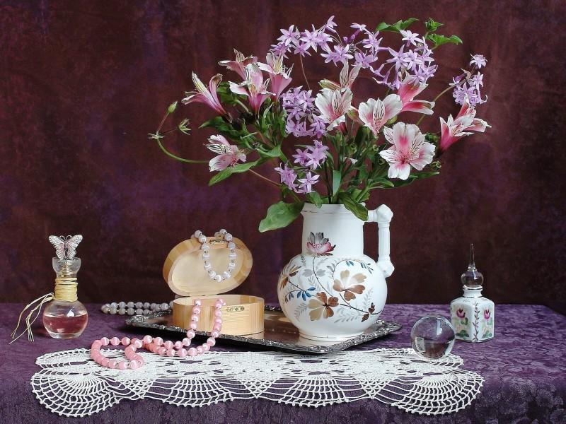 Rompecabezas Recoger rompecabezas en línea - Bead necklace and flowers