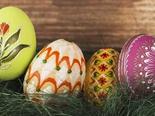Собирать пазл Four eggs онлайн