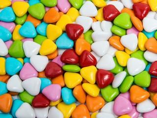 Собирать пазл Dragees Hearts онлайн