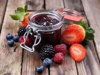 Собирать пазл Jam and berries онлайн