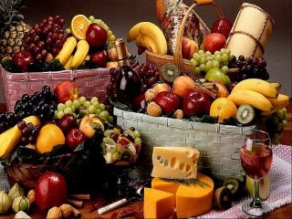 Собирать пазл Fruit and cheese онлайн