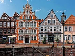 Собирать пазл The Hanseatic city онлайн