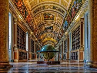 Собирать пазл The globe in the library онлайн