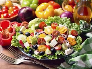 Собирать пазл Greek salad онлайн