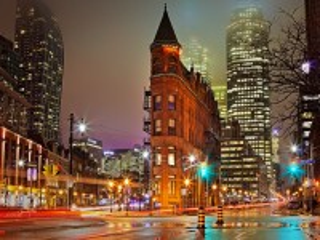 Собирать пазл Night in Toronto онлайн