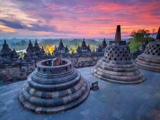 Собирать пазл Temple in Indonesia онлайн