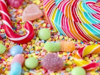 Собирать пазл Caramel and jelly beans онлайн