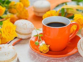 Собирать пазл Coffee with roses онлайн