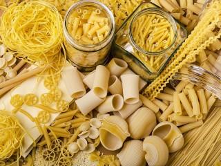 Собирать пазл Pasta meats онлайн