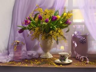 Собирать пазл Mimosa and tulips онлайн