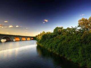 Собирать пазл Bridge at sunrise онлайн