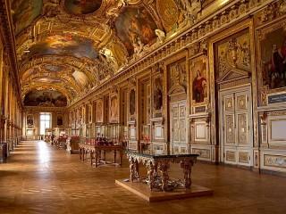 Собирать пазл The Louvre Museum онлайн