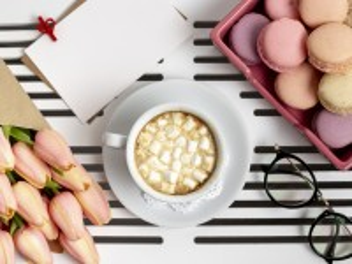 Собирать пазл Drink with marshmallows онлайн