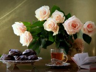Собирать пазл Still life with roses онлайн