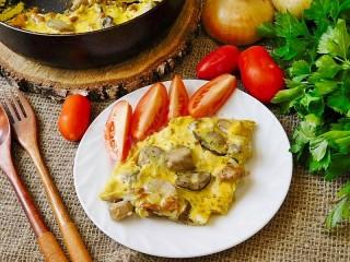Собирать пазл Scrambled eggs with mushrooms онлайн