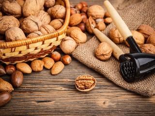 Собирать пазл Nuts онлайн