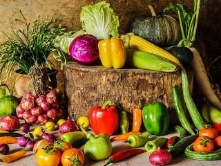 Собирать пазл Vegetable still life онлайн