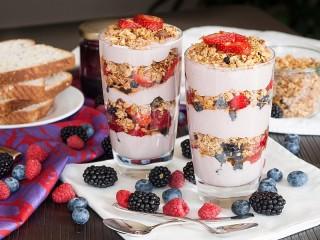 Собирать пазл Parfait with yogurt онлайн
