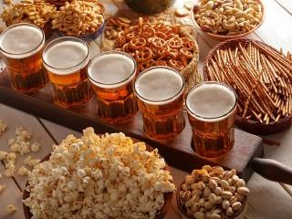 Собирать пазл Beer and snack онлайн