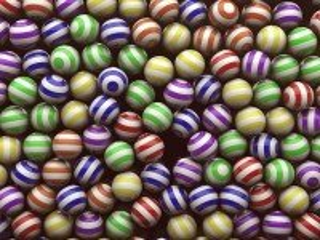 Собирать пазл Striped balls онлайн