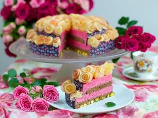 Собирать пазл Birthday cake онлайн