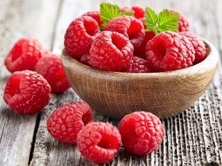 Собирать пазл Raspberries онлайн