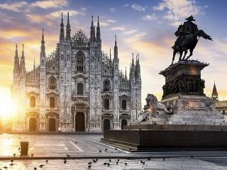 Собирать пазл Dawn in Milan онлайн