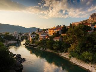 Собирать пазл The Neretva River онлайн