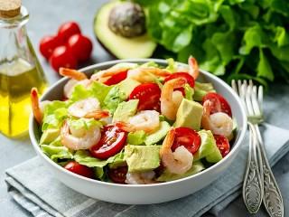 Собирать пазл Shrimp salad онлайн