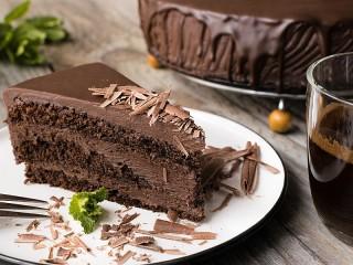 Собирать пазл Chocolate cake онлайн