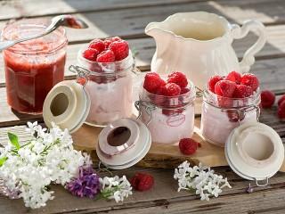 Собирать пазл Lilac and raspberry онлайн