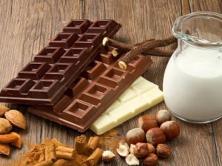 Собирать пазл Tri shokolada онлайн