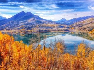 Собирать пазл In the arms of autumn онлайн