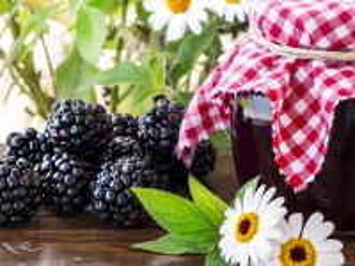 Собирать пазл Jam of blackberries онлайн