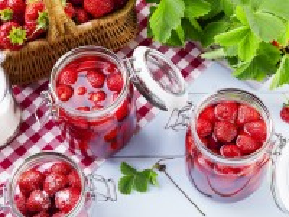 Собирать пазл Time strawberry онлайн