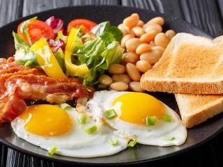Собирать пазл Bacon and eggs онлайн
