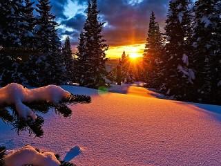 Собирать пазл Sunset and snow онлайн