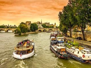 Собирать пазл Sunset over the Seine онлайн