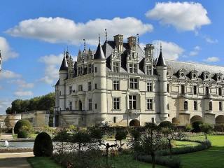 Собирать пазл Castle in France онлайн