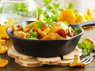Собирать пазл Fried chanterelles онлайн